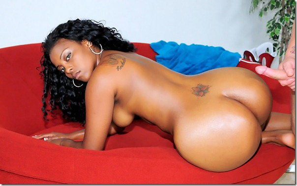 extreme-asses-gorgeous-ebony-babe-takes-it-up-her-ass